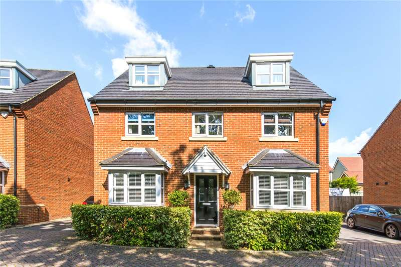 5 Bedrooms Detached House for sale in Snowdrop Close, Burgess Hill, West Sussex, RH15