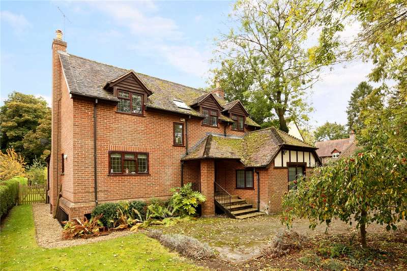 4 Bedrooms Detached House for sale in Eastfield Lane, Whitchurch on Thames, Reading, Oxfordshire, RG8