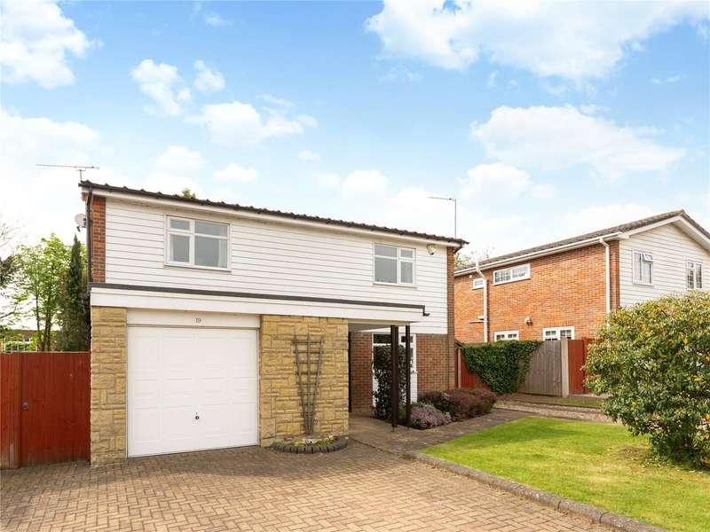 4 Bedrooms Detached House for sale in Hatchgate Gardens, Burnham, Bucks, SL1