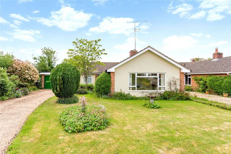 3 Bedrooms Detached Bungalow for sale in Astley Close, Pewsey, Wiltshire, SN9