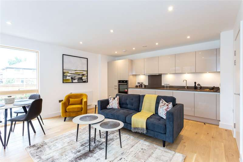 1 Bedroom Apartment Flat for sale in Oak Lodge, 2 Riverwell Close, Watford, Hertfordshire, WD18