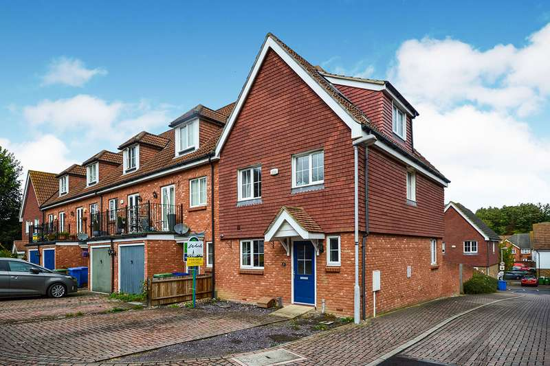 5 Bedrooms End Of Terrace House for sale in Finch Close, Faversham, Kent, ME13