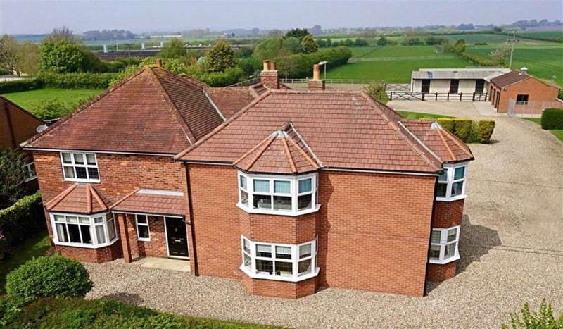 5 Bedrooms Detached House for sale in North Townside Road, North Frodingham, East Yorkshire