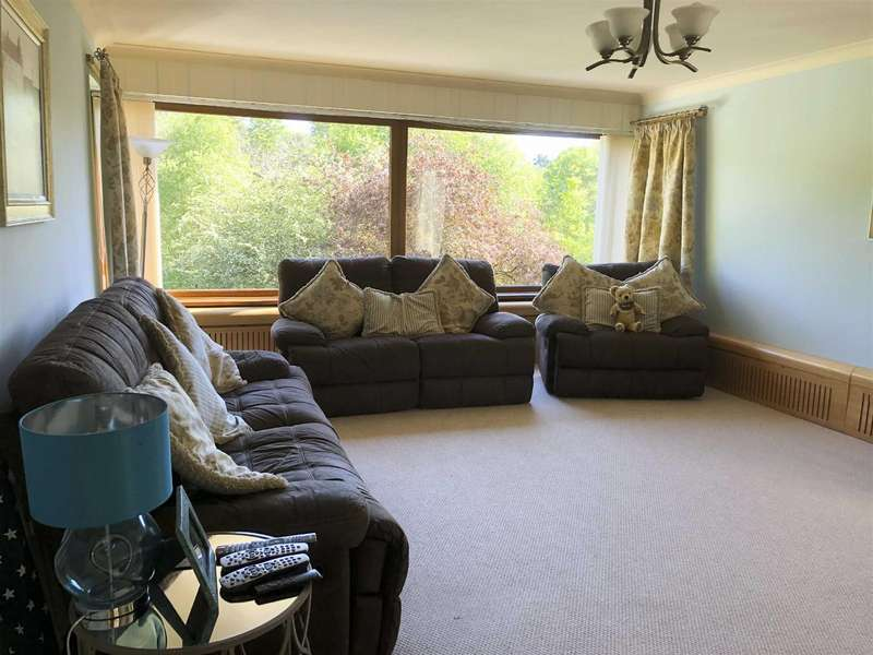 6 Bedrooms Detached House for sale in The Dell, Morpeth