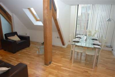 2 Bedrooms Flat for rent in Roberts Wharf, Neptune Street, City Centre