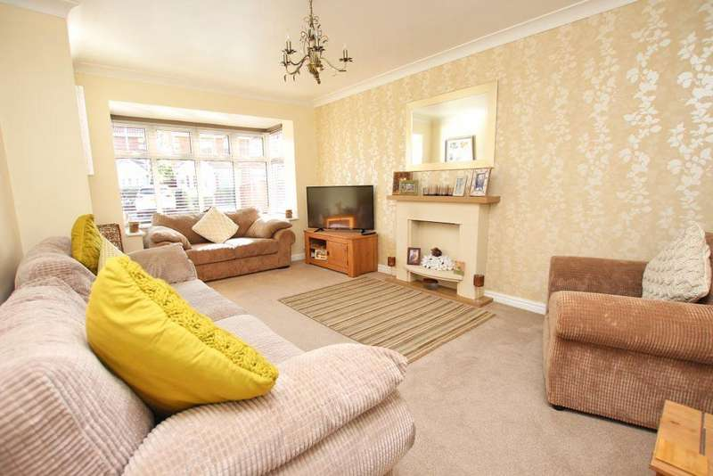 4 Bedrooms Detached House for sale in LAIRGATE PLACE, CLEETHORPES