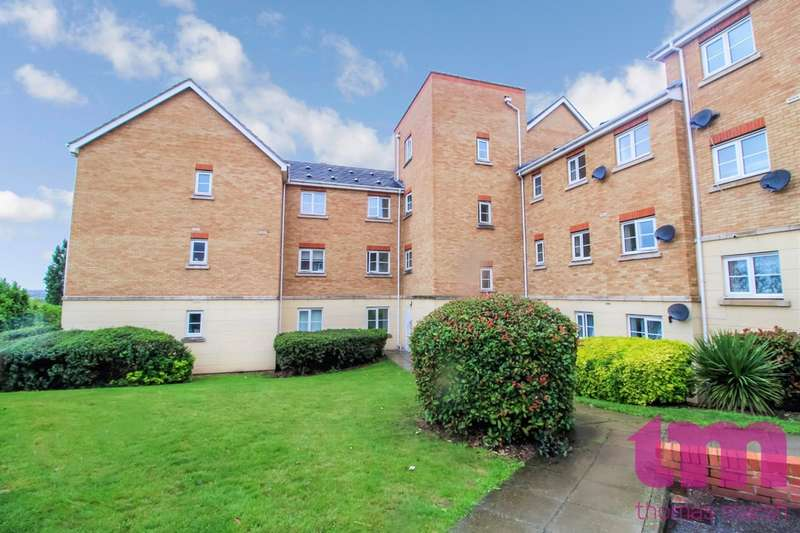 2 Bedrooms Flat for sale in Coniston Avenue, Purfleet