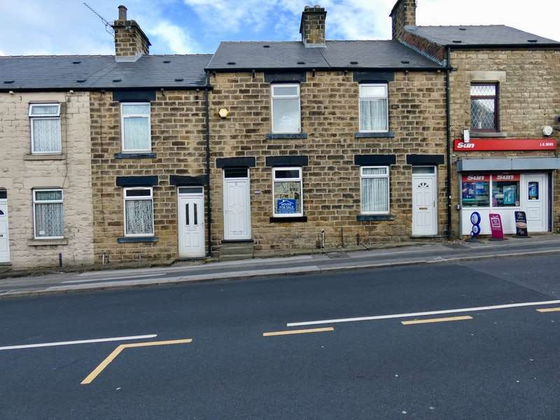 2 Bedrooms Terraced House for sale in Racecommon Road, Barnsley, South Yorkshire, S70