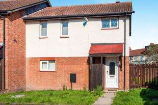 3 Bedrooms End Of Terrace House for sale in Furtherfield Close, Croydon, Surrey, .