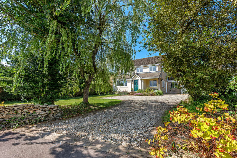 4 Bedrooms Detached House for sale in Nympsfield, Stonehouse