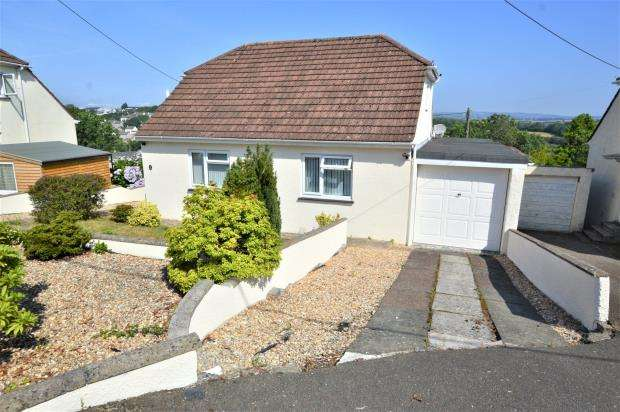 3 Bedrooms Detached Bungalow for sale in St. Annes Road, Saltash, Cornwall