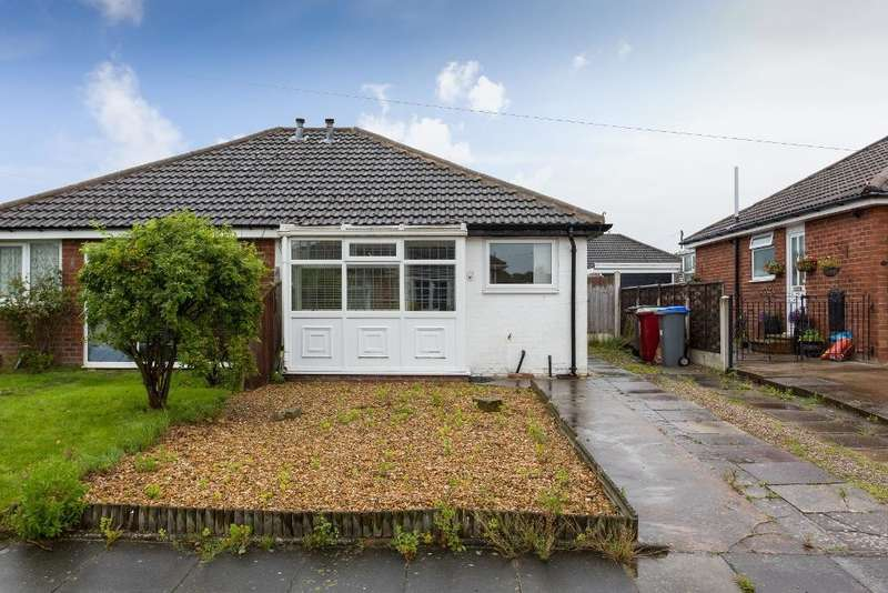 2 Bedrooms Semi Detached Bungalow for sale in Moss Bank Place, Blackpool