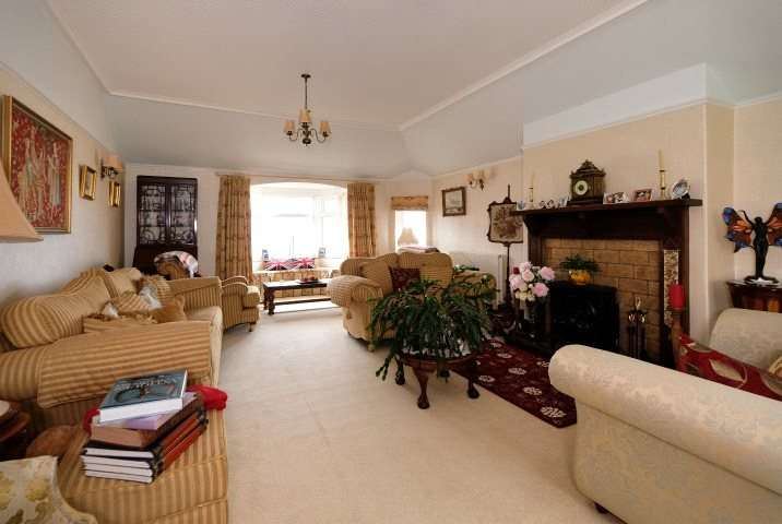 4 Bedrooms Detached House for sale in Bayview, Stotfield Road, Lossiemouth, Moray, IV31
