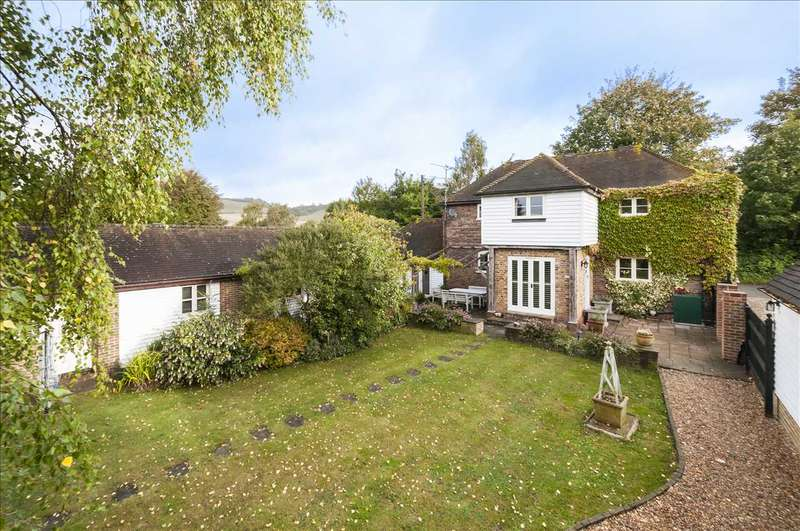 4 Bedrooms Detached House for sale in The Barn, Pilgrims Way, Hollingbourne