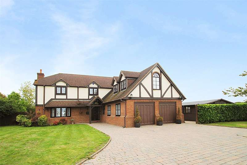 5 Bedrooms Detached House for sale in Evergreens, North Road, South Ockendon, Essex, RM15