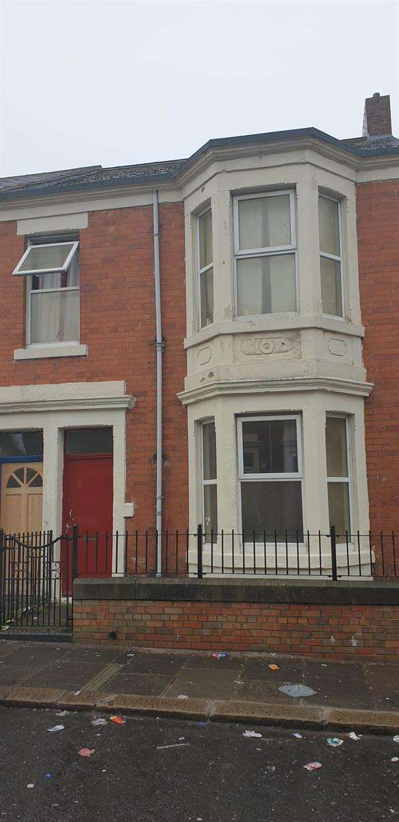 2 Bedrooms Flat for sale in Hampstead Road, Benwell, Newcastle upon Tyne