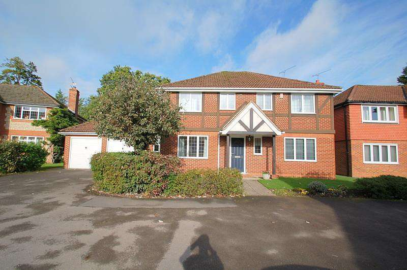4 Bedrooms Detached House for sale in Sedgmoor Close, Flackwell Heath, HP10