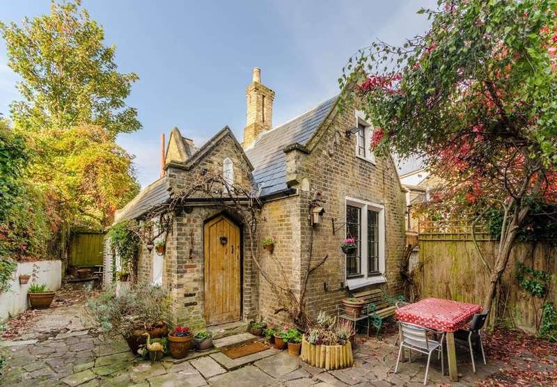 3 Bedrooms Detached House for sale in St Gothard Road, West Norwood, SE27