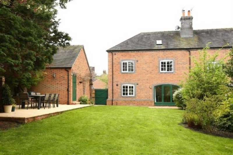 5 Bedrooms Property for rent in Chamberlain Court CW3