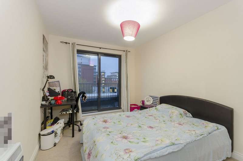 3 Bedrooms Apartment Flat for rent in Ocean Village, Southampton SO14
