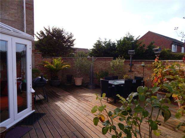 5 Bedrooms Detached House for sale in Gardner Close, Eastbourne, East Sussex