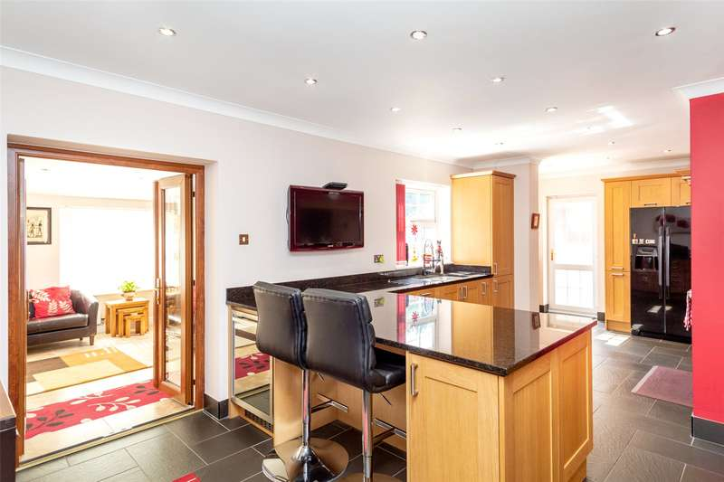 5 Bedrooms Detached House for sale in Tranmore Lane, Eggborough, North Yorkshire, DN14