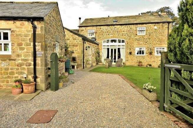 3 Bedrooms Property for sale in Fearby, Ripon, North Yorkshire, HG4 4NF