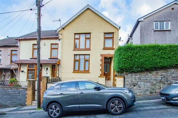 4 Bedrooms End Of Terrace House for sale in Amos Hill, Tonypandy, Mid Glamorgan