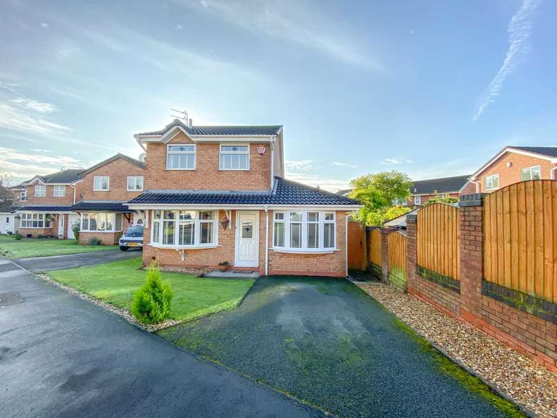 3 Bedrooms Detached House for sale in Kirkacre Avenue, Newton Le Willows