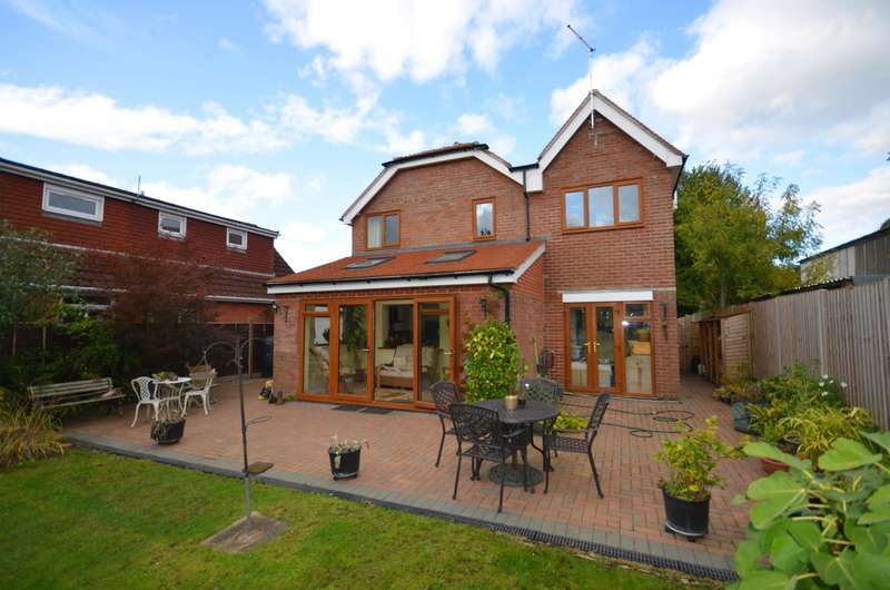 3 Bedrooms Detached House for sale in Horton Heath, Eastleigh, SO50