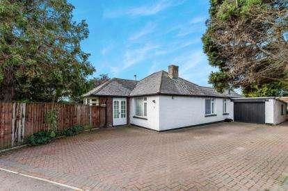 4 Bedrooms Bungalow for sale in Isleham, Cambridgeshire