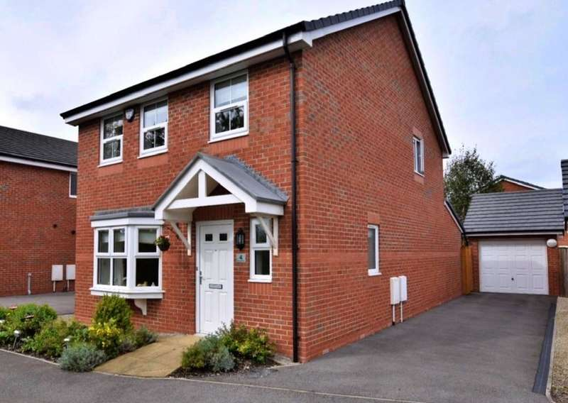 4 Bedrooms Detached House for sale in Bay Tree Close, Blackpool
