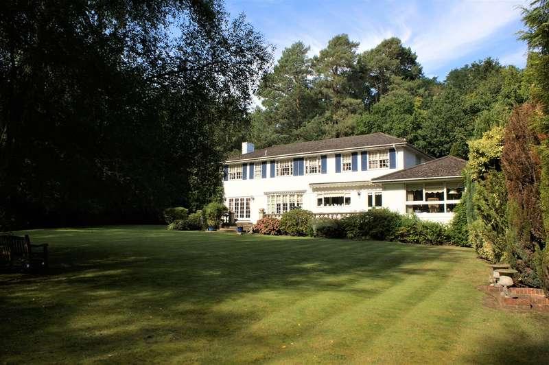 5 Bedrooms Detached House for sale in East Road, WEYBRIDGE, KT13