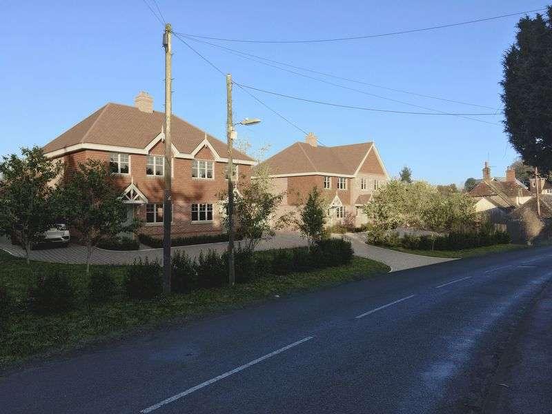 4 Bedrooms Property for sale in Oakhanger, Bordon
