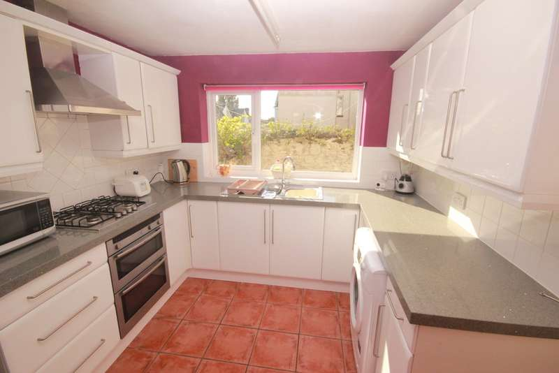 4 Bedrooms Terraced House for rent in Holdsworth Street, Plymouth PL4