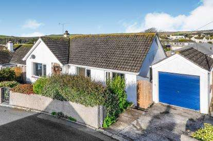 2 Bedrooms Bungalow for sale in Porthleven, Helston, Cornwall