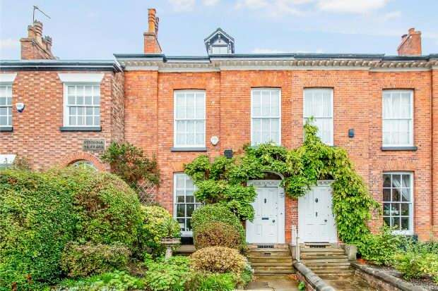 5 Bedrooms Terraced House for sale in The Downs, Altrincham