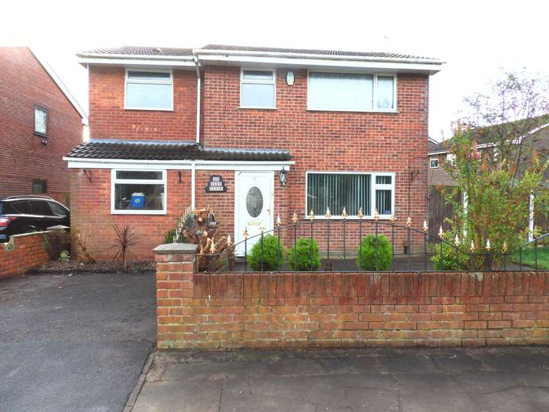 4 Bedrooms Detached House for sale in Tern Close, Shevington Park