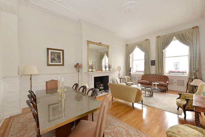 3 Bedrooms Apartment Flat for sale in Queen`s Gate Terrace, South Kensington SW7