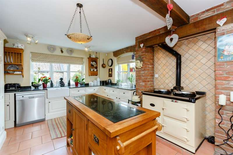 4 Bedrooms Detached House for sale in Aldwark, York, YO61 1UB
