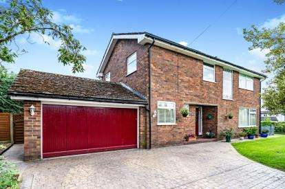 4 Bedrooms Detached House for sale in Well Lane, Lower Stretton, Warrington, Cheshire