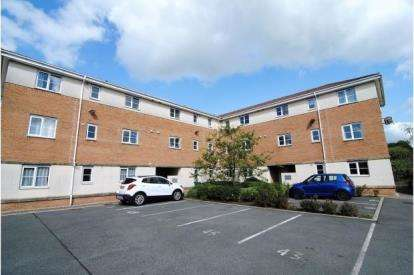 3 Bedrooms Flat for sale in Mayflower Crescent, Buckshaw Village, Chorley, Lancashire