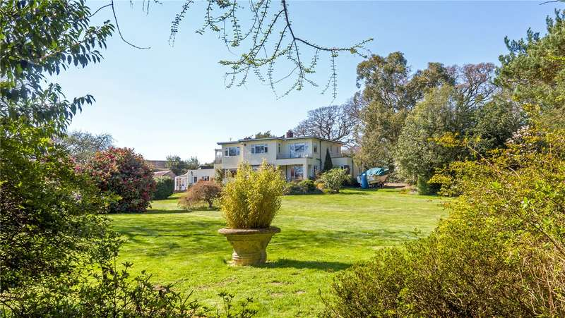 4 Bedrooms Detached House for sale in Shirley Holms, Lymington, Hampshire, SO41
