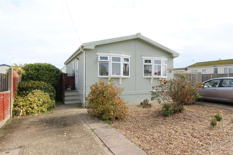 2 Bedrooms Mobile Home for sale in The Cul-De-Sac, Hoburne Naish, Barton On Sea, BH25 7RU
