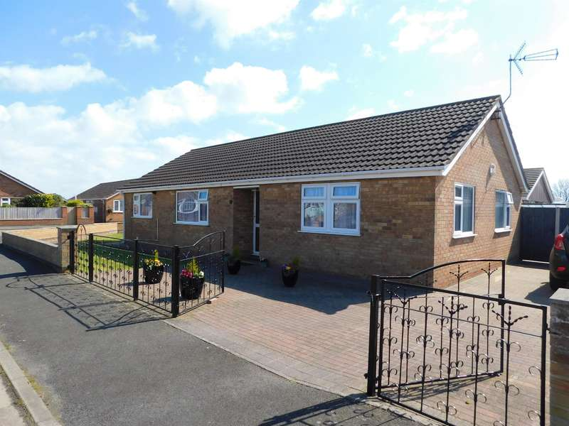 4 Bedrooms Detached Bungalow for sale in Parkinsons Way , Trusthorpe, LN12 2QR