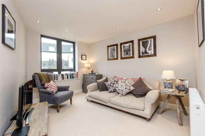 3 Bedrooms End Of Terrace House for sale in Lydden Grove, Southfields, London, SW18