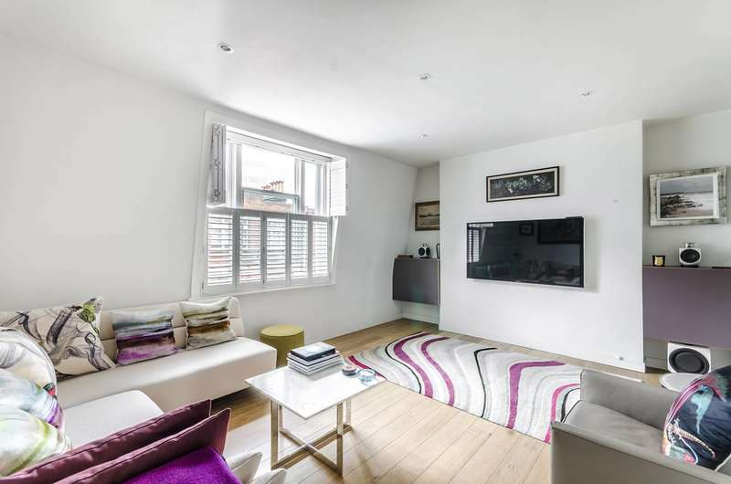 2 Bedrooms Flat for sale in Great Newport Street, Covent Garden, WC2H