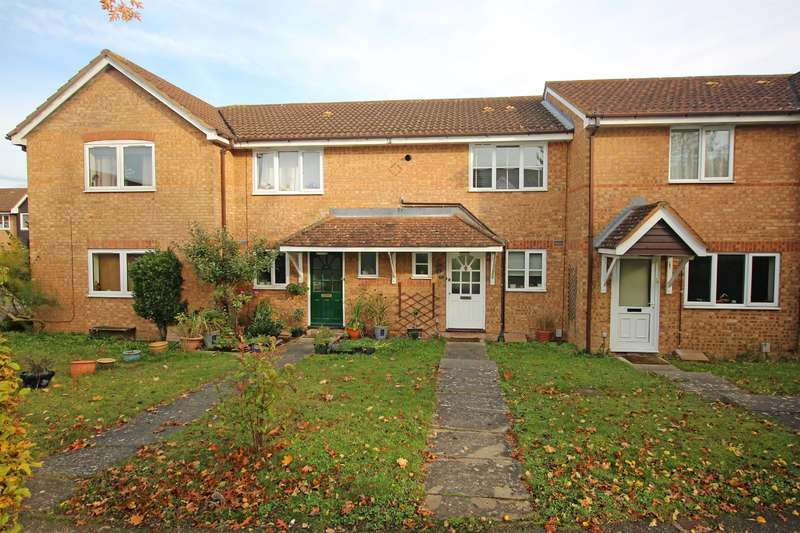 2 Bedrooms Terraced House for sale in Morecambe Close, Stevenage, SG1 2AZ