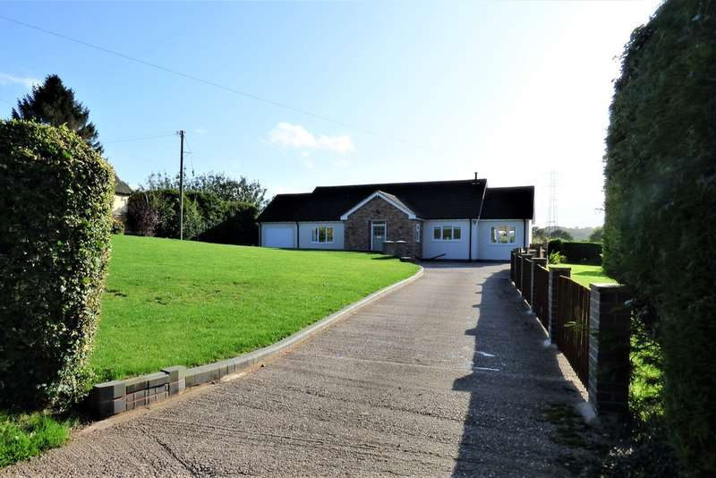 3 Bedrooms Detached Bungalow for sale in Stockings Lane, Longdon