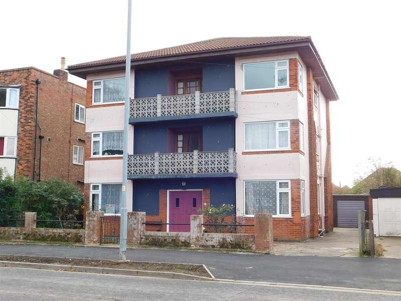 1 Bedroom Flat for rent in Castleton Boulevard, Skegness, Lincs, PE25 2TS